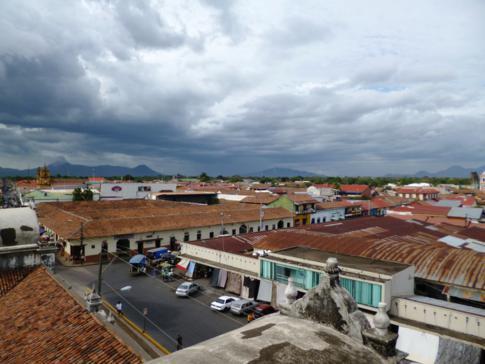 Ausblick von der Basilica de la Asunción auf León