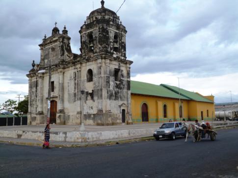 Die Kirche San Juan in der Kolonialstadt León