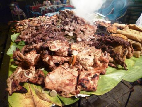 Street-Food Grill am Platz hinter der Kathedrale von León