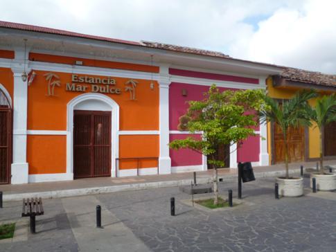 Historisch schöne Häuser in der Altstadt von Granada