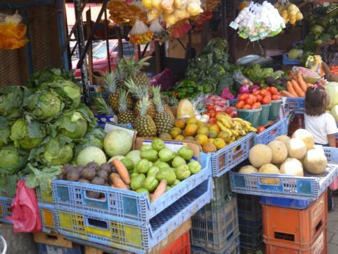 Der belebte Markt von Rivas am Busterminal