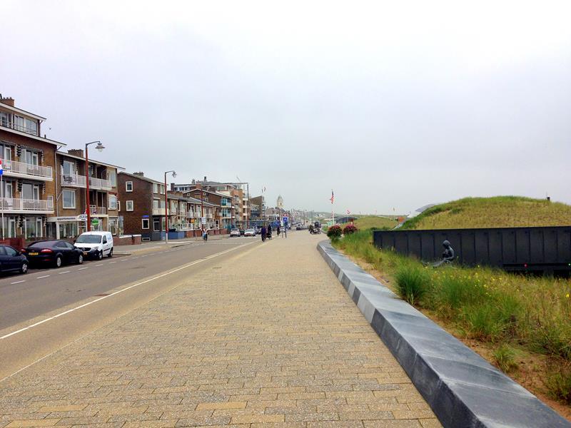 Der kleine Küstenort Katwijk in Südholland