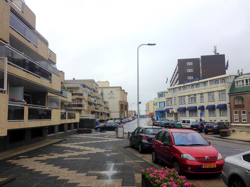 Die graue Küstenstadt Noordwijk in Südholland