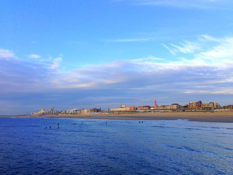 Der schöne Strand von Scheveningen am Abend