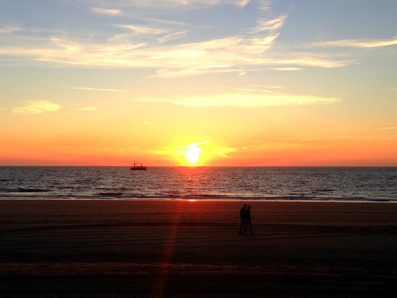 Sonnenuntergang in Scheveningen, dem Strandort von Den Haag