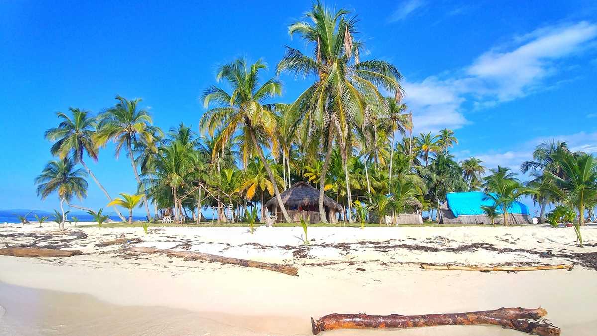 Die Insel Nubesidup als Teil der San Blas Inseln in Panama