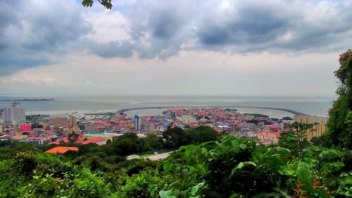 Blick vom Cerro Ancon auf die Altstadt von Panama City, die Casco Viejo