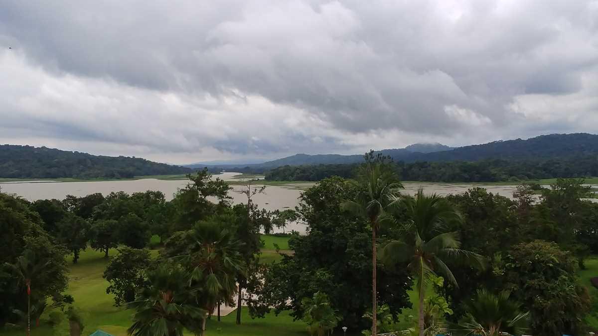 Blick vom Gamboa Rainforest Resort auf den Rio Chagres