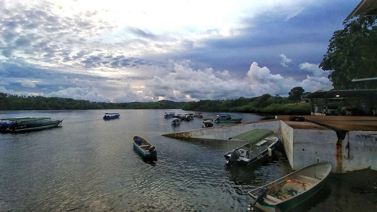 Das kleine Dörfchen Boca Chica als Eingangstor zur faszinierenden Inselwelt im Golf von Chiriquí
