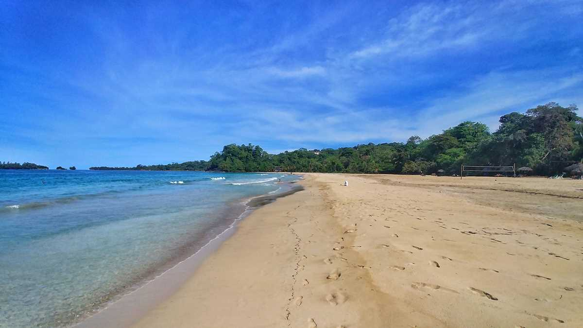 Der Strand Red Frog Beach auf der Isla Bastimientos in der Inselgruppe Bocas del Toro