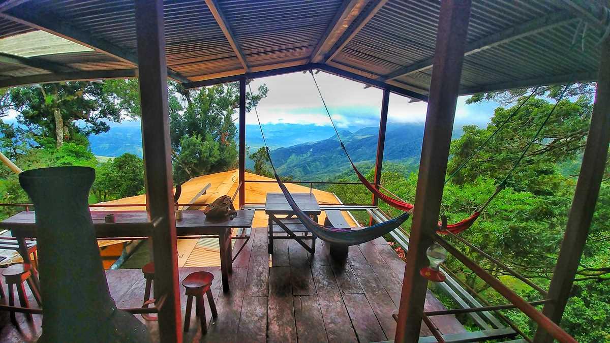 Das einzigartige Lost and Found Hostel in den Bergen von Panama