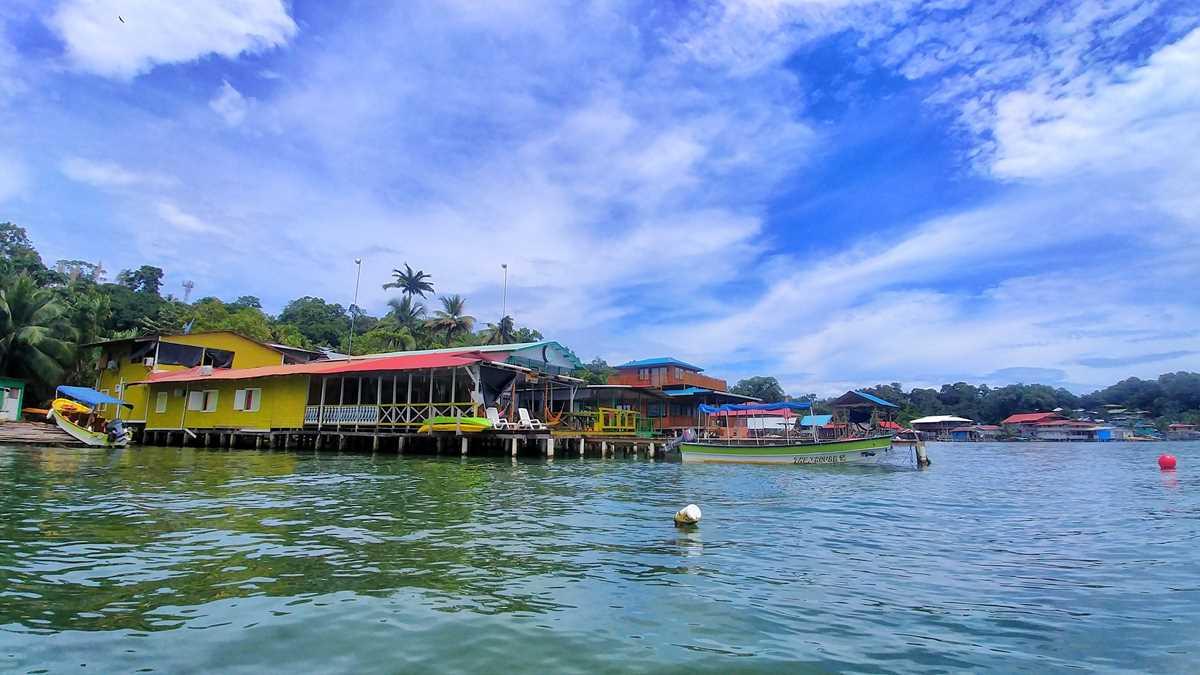Die Isla Bastimientos während einer Kayak-Tour durch das Bocas del Toro Archipel