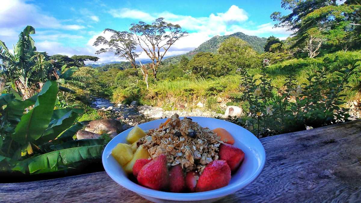 Die Unterkunft The Inn at Palo Alto in Boquete mit einem tollen Blick auf die Berge in Panama sowie den Vulkan Baru