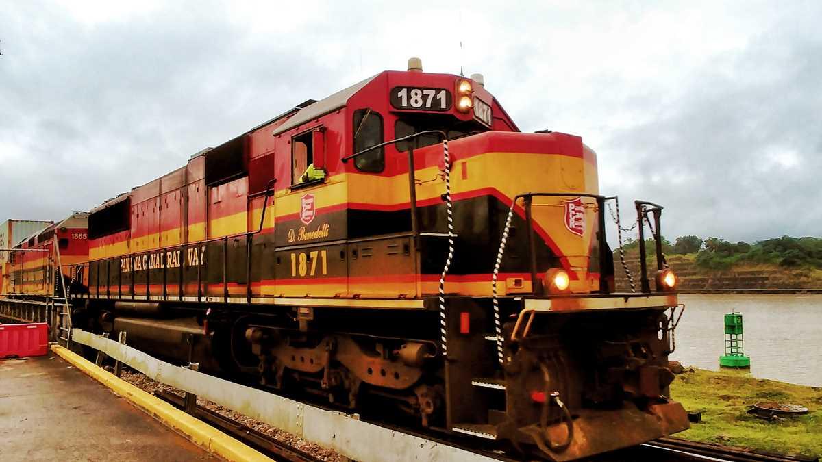 Der Zug, der Waren in Panama vom Atlantik an den Pazifik bringt