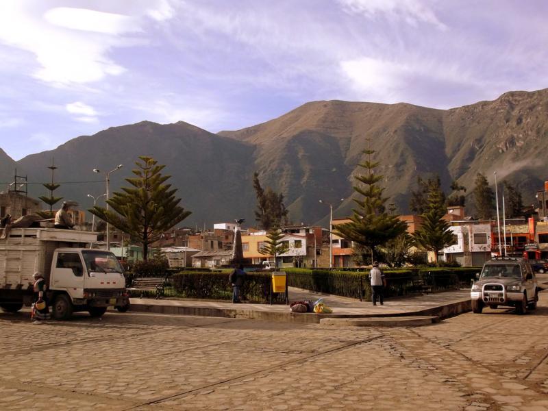 Das kleine Örtchen Cabanaconde am Rand des Colca Canyon in Peru