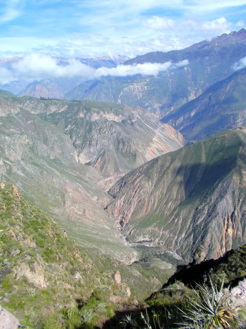 Aussicht von Cabanaconde auf den Colca Canyon