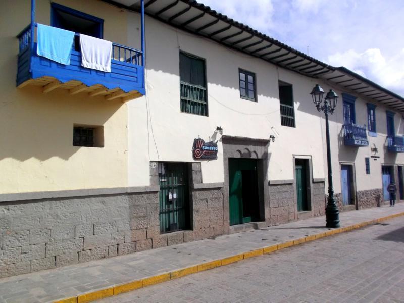 Die historische Altstadt von Cuzco mit vielen Agenturen