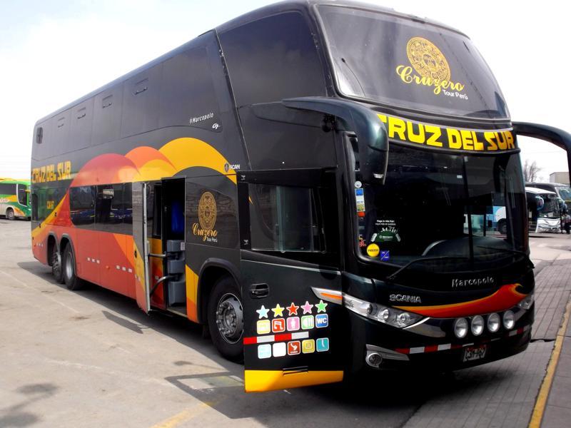 Busfahrt mit Cruz del Sur in Peru von Ica nach Arequipa