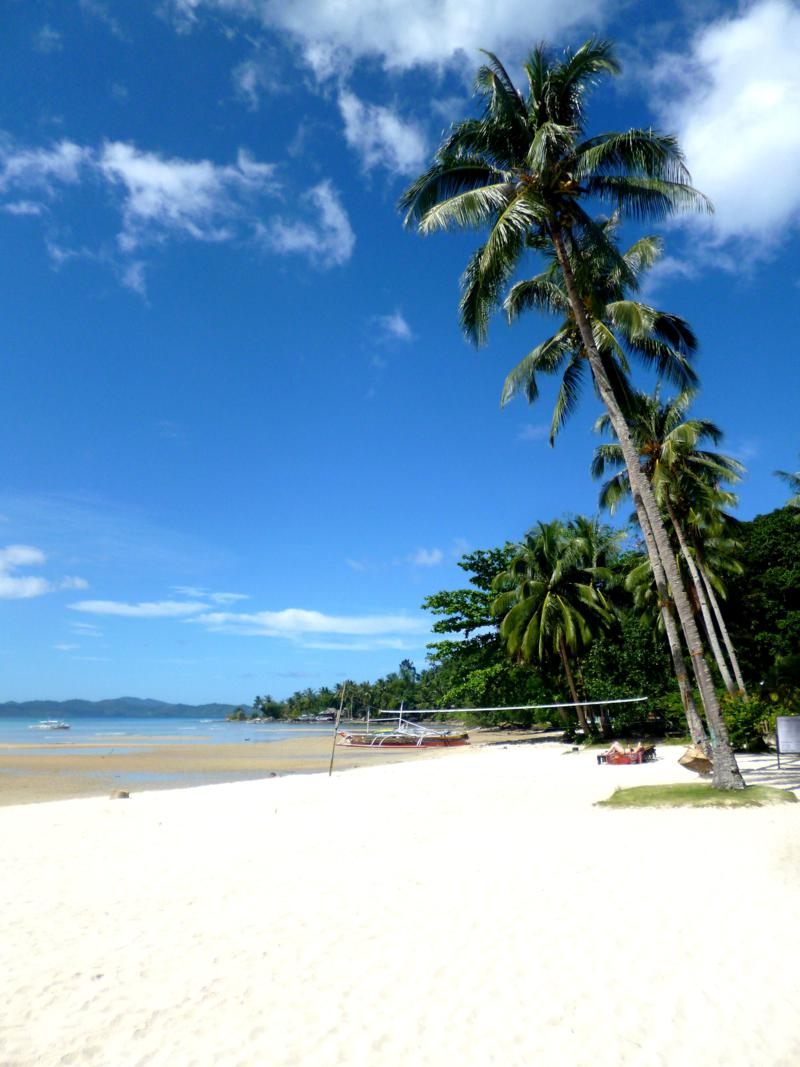 Traumhafter Strand in Port Barton auf Palawan
