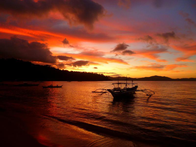 Sonnenuntergang in Port Barton - ein Traum im Paradies