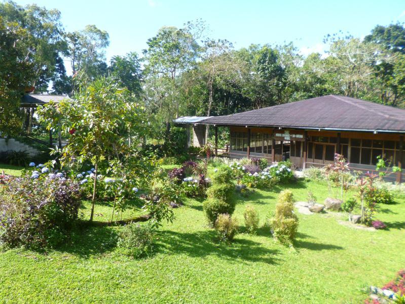 Das idyllische Old Hospital Building in Patag im North Negros National Park