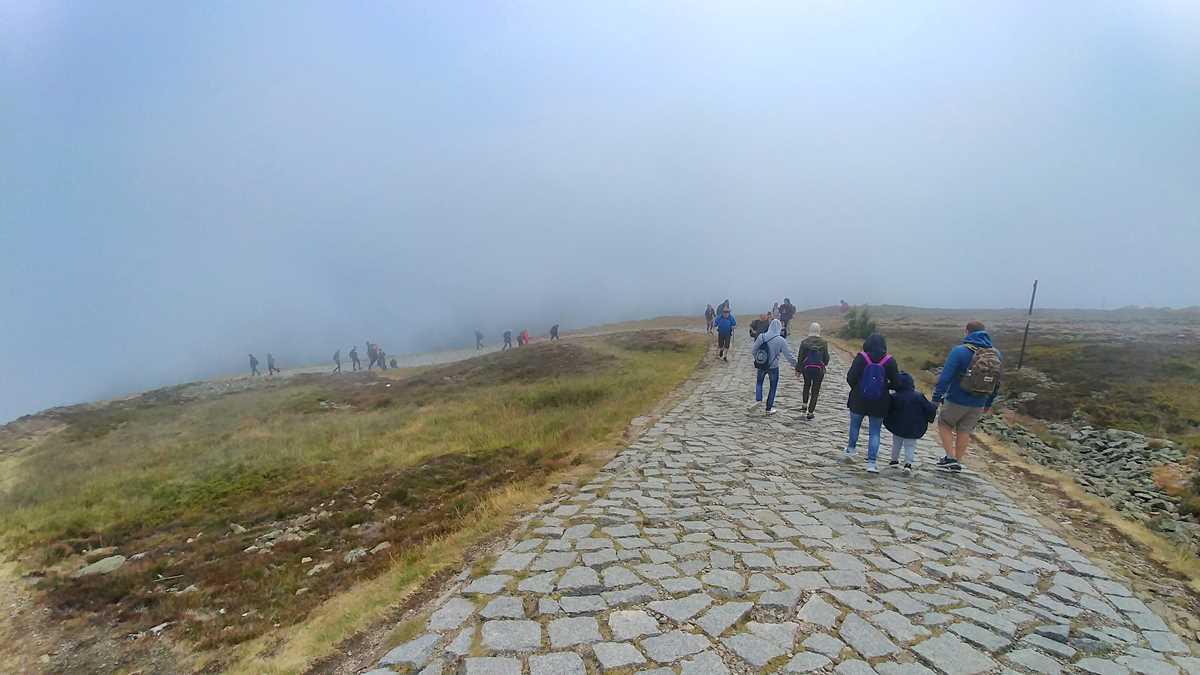 Wanderung zur Schneekoppe von Polen aus, der höchste Berg der Tschechischen Republik