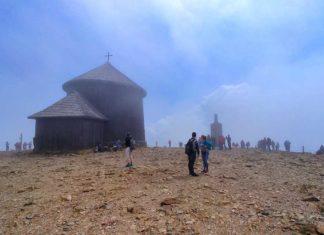Wanderung auf die Schneekoppe – Tschechiens höchster Berg im Massenauflauf