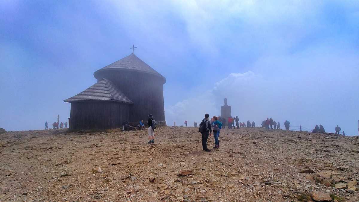 Die Schneekoppe, Berg auf der Grenze zwischen Polen und der Tschechischen Republik