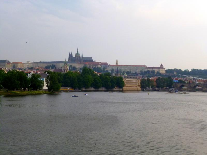 Blick auf die Moldau und den Hradschin von Prag