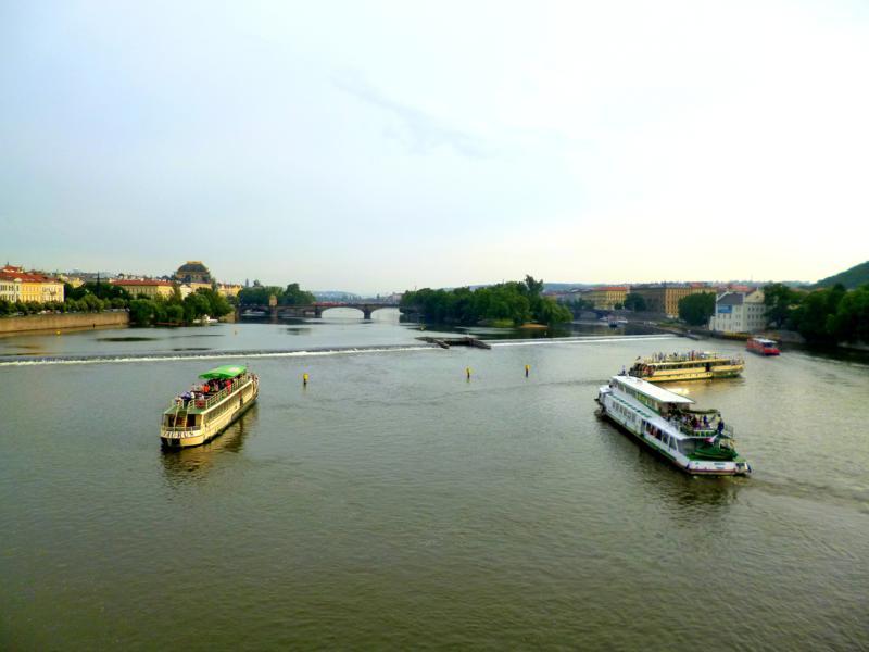 Die Moldau in Prag, gesehen von der Karlsbrücke