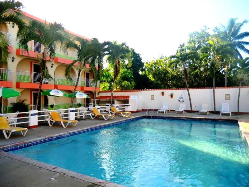 Der Pool im Parador Perichis Hotel nahe Mayaguez