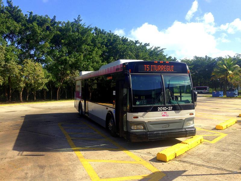 Mit dem Bus von Flughafen San Juan in Richtung Fajardo