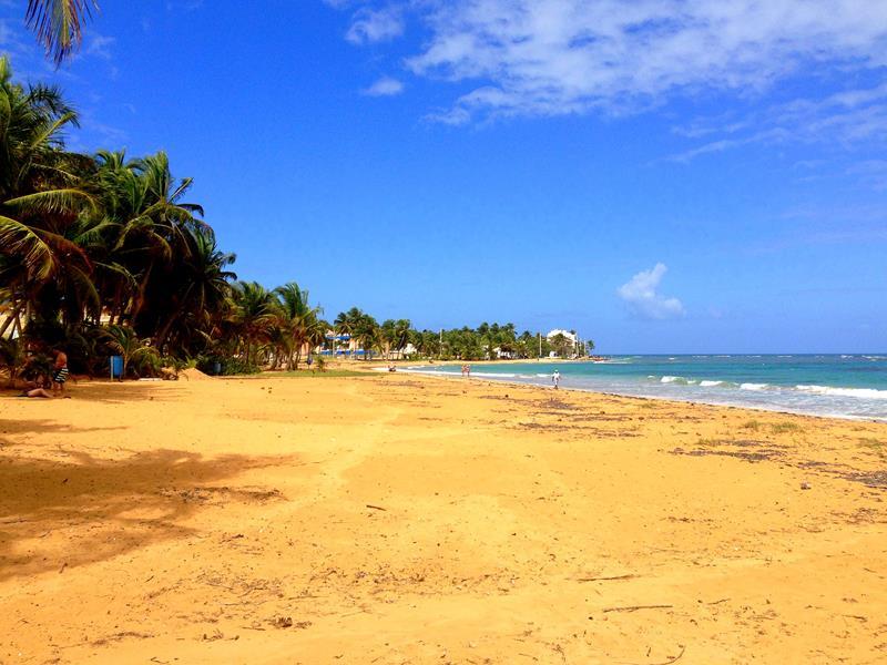 Der wunderschöne Luquillo Beach im Nordosten von Puerto Rico