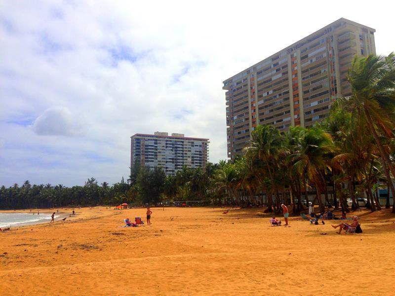 Der Strandort Luquillo zwischen San Juan und Fajardo