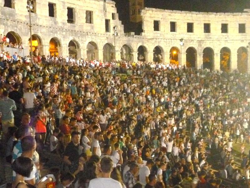 Fußball-WM 2014 – Public Viewing in Kroatien, Bosnien, Griechenland und Deutschland