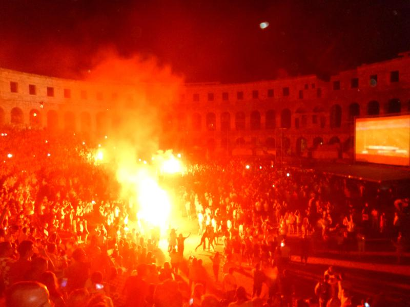 Public Viewing Kroatien gegen Brasilien in Pula zur FIFA Fußball-Weltmeisterschaft 2014