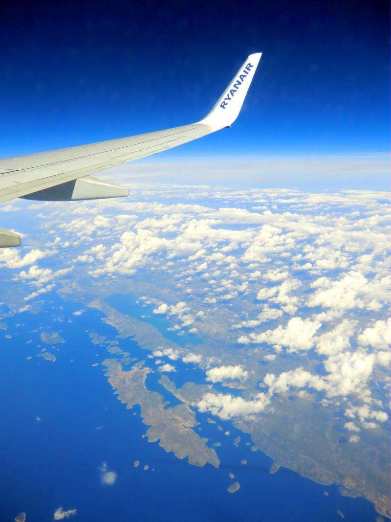 Überflug von Dalmatien in Kroatien auf dem Weg von Targu Mures nach Pisa mit Ryanair