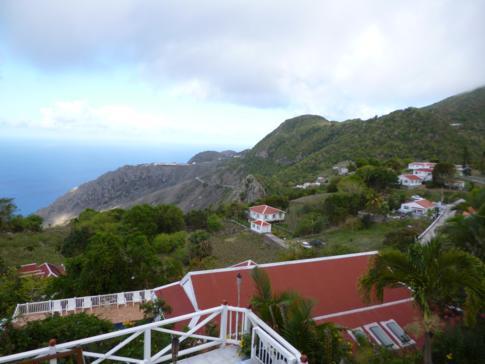 Atemberaubender Ausblick über Saba von den El Momo Cottages