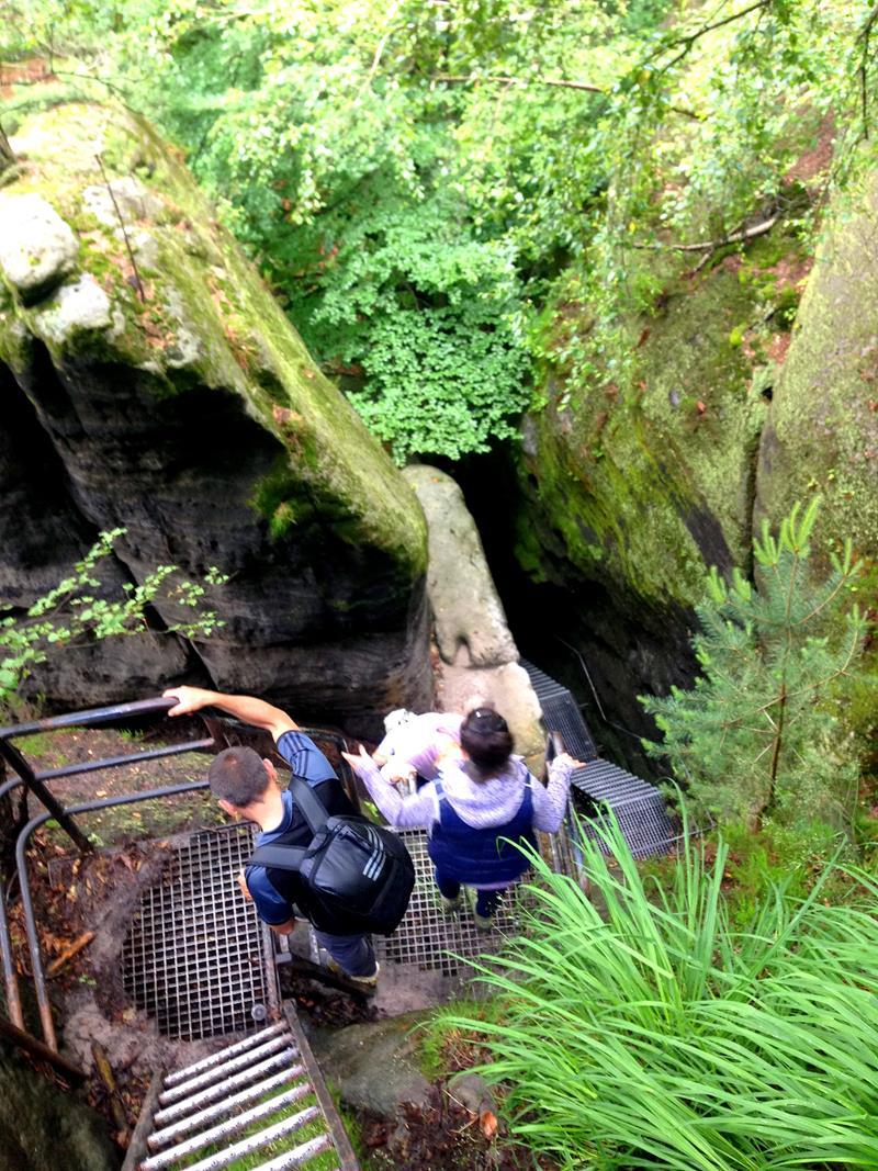 Rückweg von der Schrammsteinaussicht in den Nassen Grund im Nationalpark Sächsische Schweiz