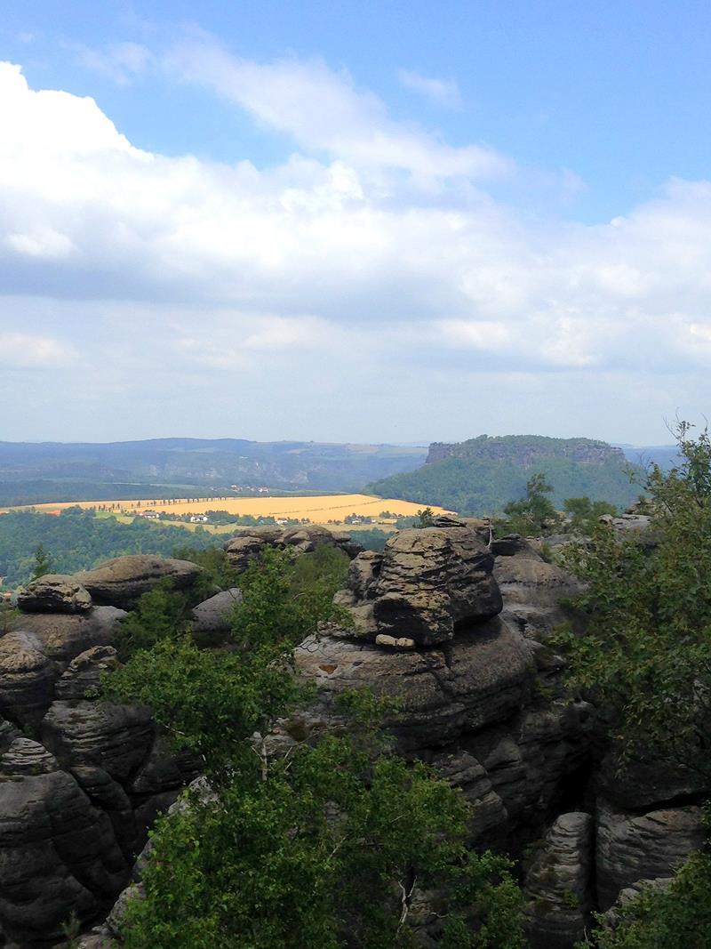 Die Aussicht vom Pfaffenstein auf die Sächsische Schweiz