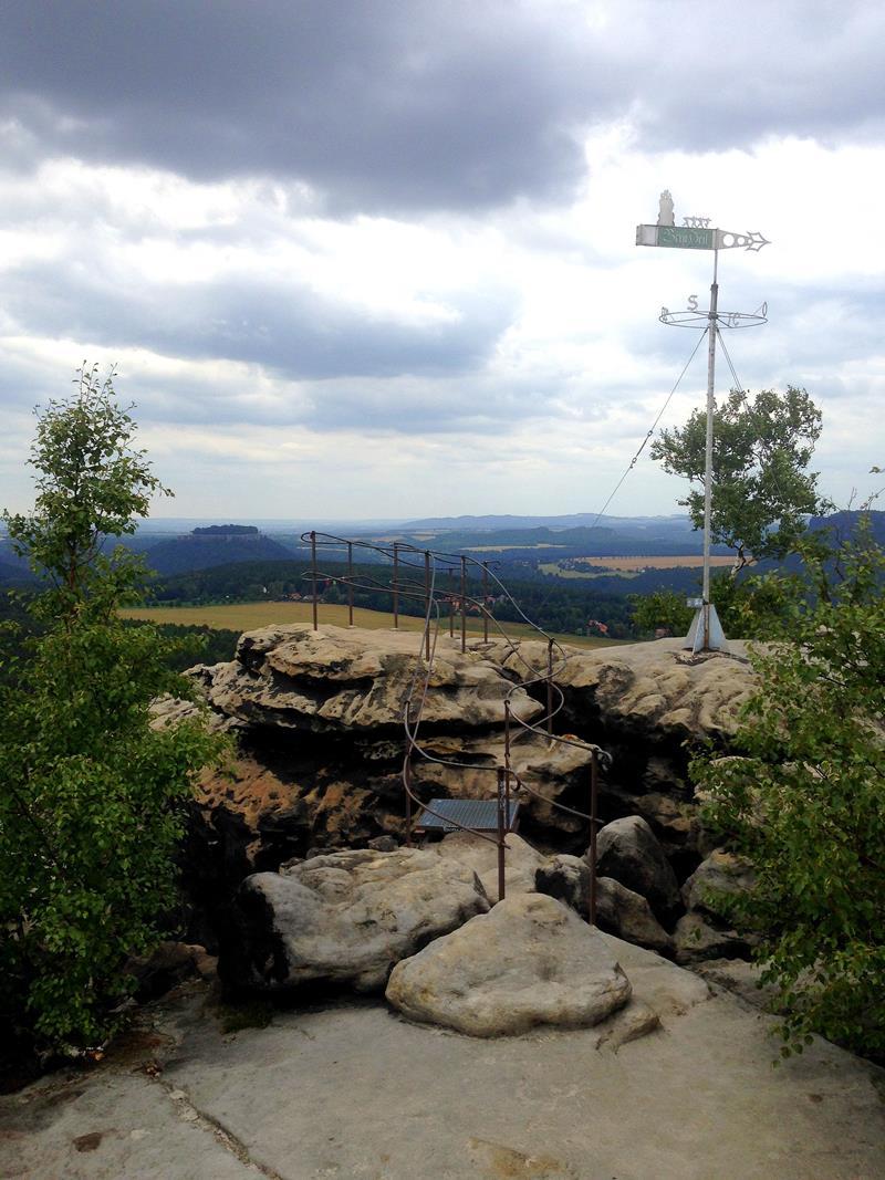 Ausblick vom Gohrischstein auf weite Teile der Sächsischen Schweiz