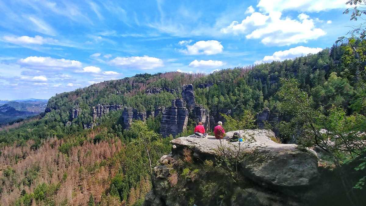 Die Idagrotte mit einem faszinierenden Ausblick auf den Nationalpark Sächsische Schweiz