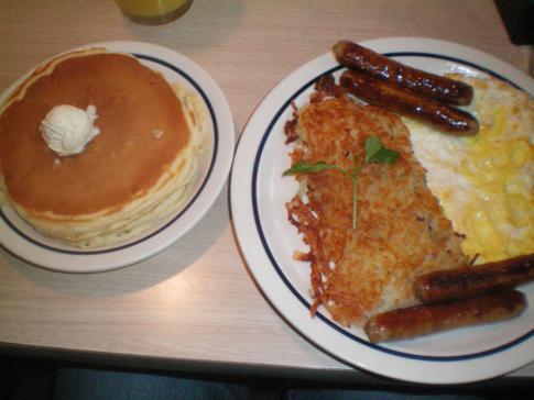 Ein amerikanisches Frühstück im iHop-Restaurant