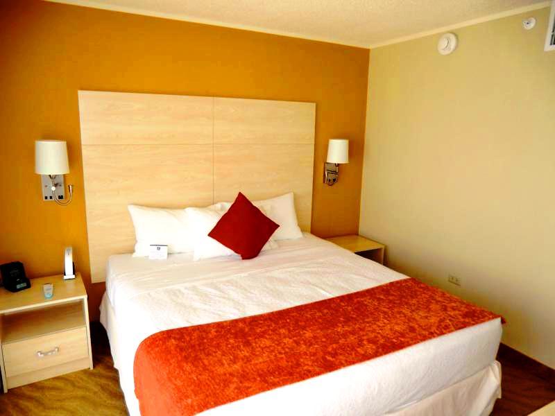 Unsere Meerblick-Suite im Best Western Plus Condado Inn Palm and Suites
