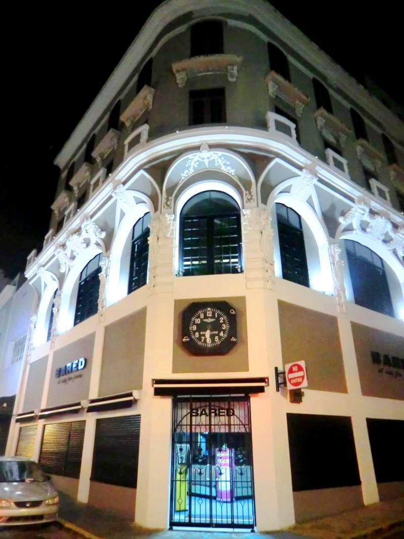Die Altstadt von San Juan bei Nacht: das Unesco-Weltkulturerbe hell erleuchtet