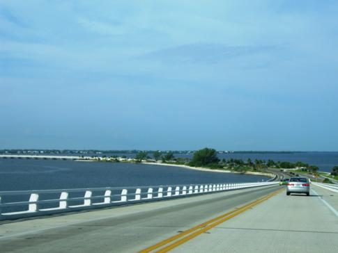 Der Sanibel Causeway von Fort Myers nach Sanibel Island