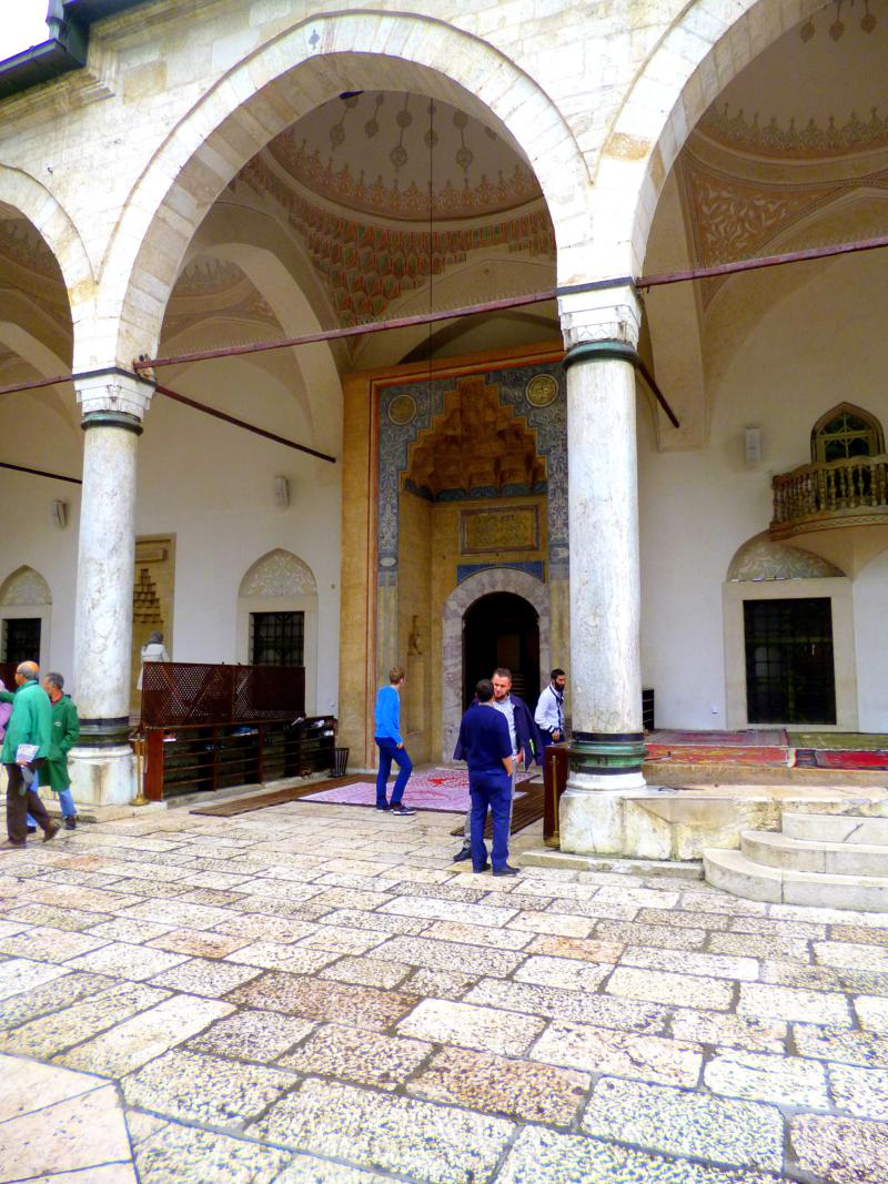Die Gazi Husrev Beg Moschee in Sarajevo