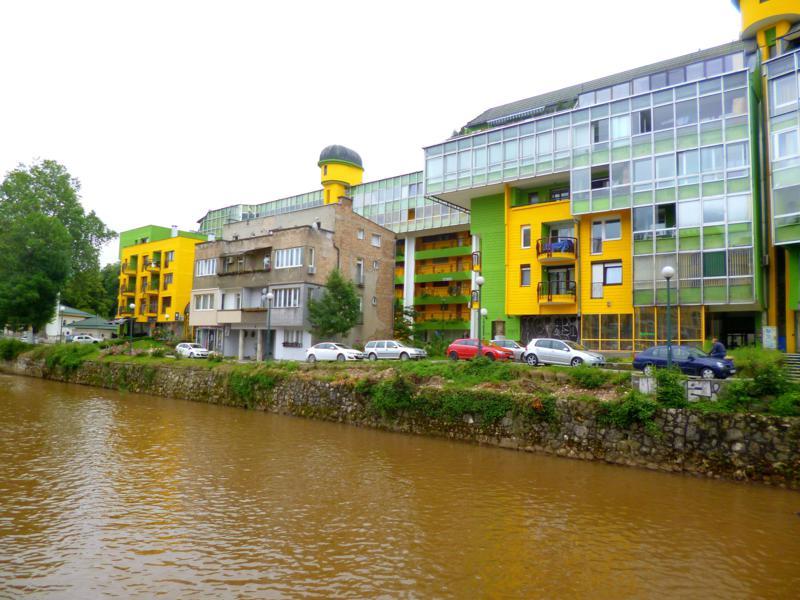 Alter Baustil trifft Moderne in Sarajevo