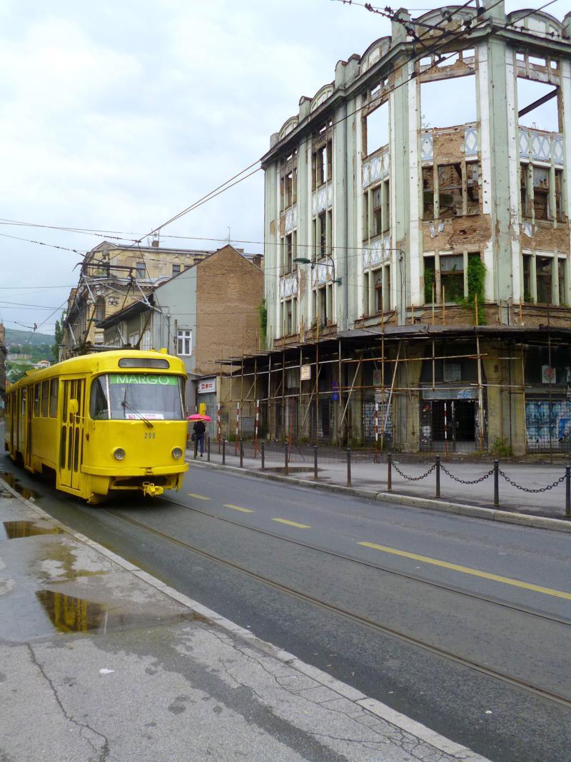 Die wunderschönen alten Tatra-Straßenbahnen verkehren auch noch in Sarajevo