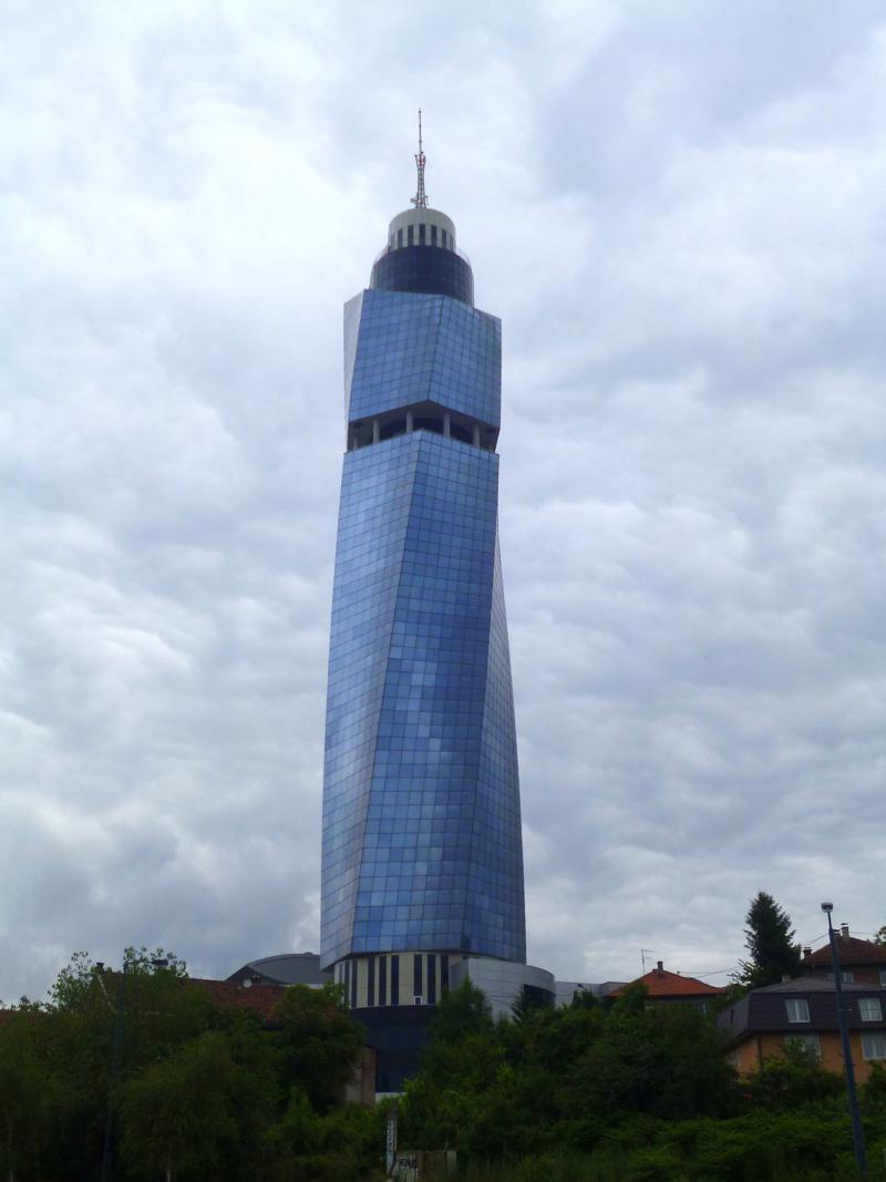 Der Avaz Twist Tower - beste Aussicht von oben auf Sarajevo